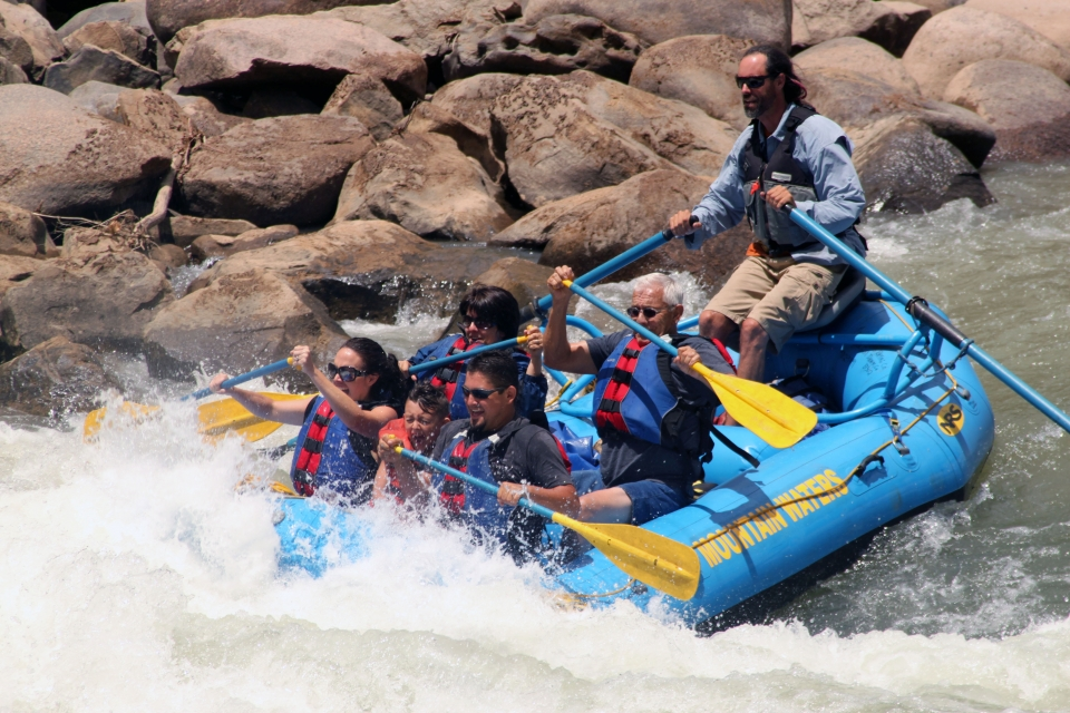 Rafting_MtnWaters (3)
