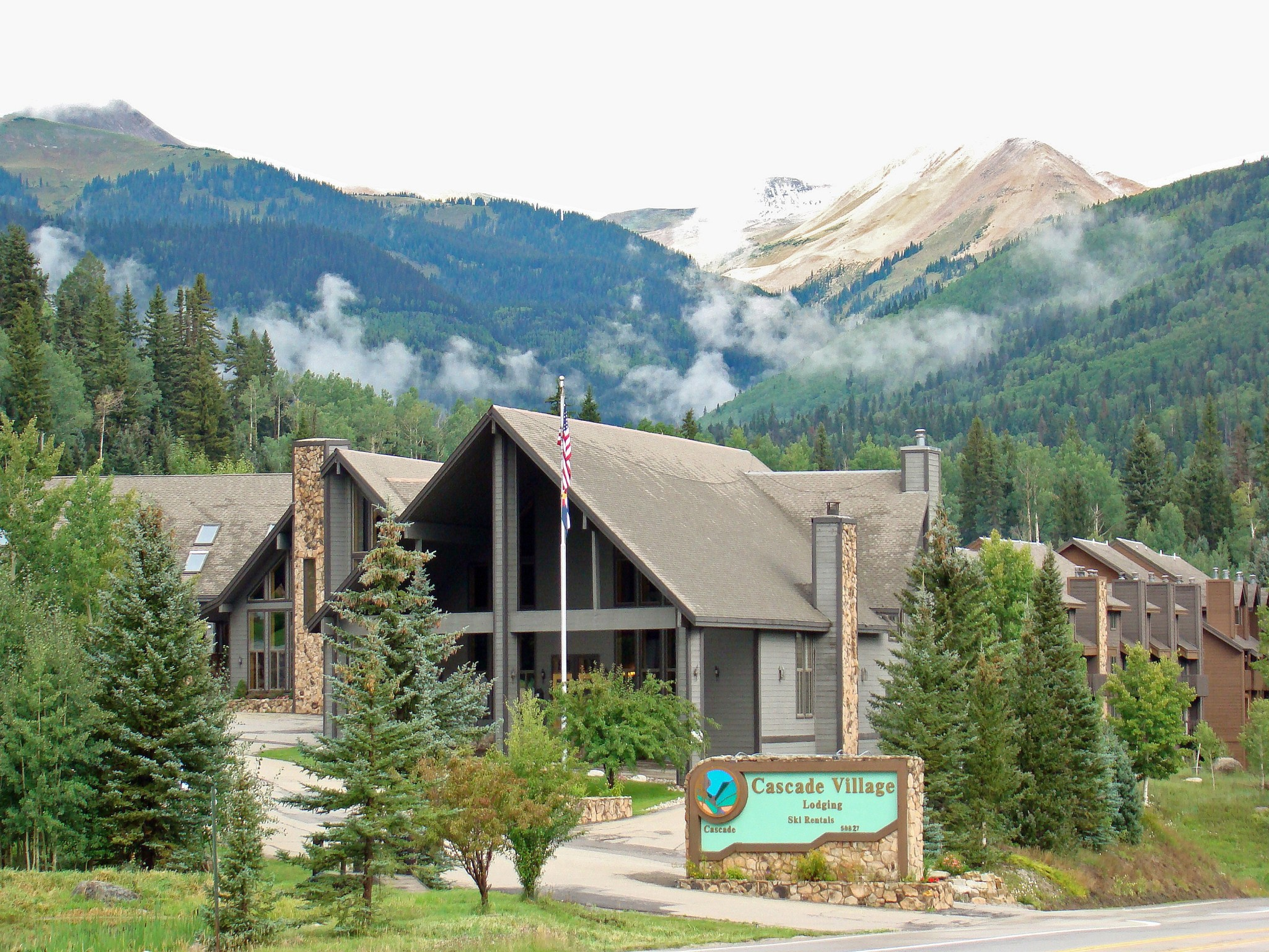Cascade Village Vacation Rentals Reservations | Check