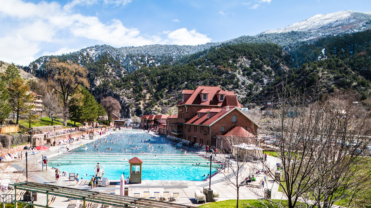 Glenwood Hot Springs Pool Lodge